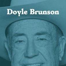 Libros: SABIDURÍA DE UN CAMPEÓN DE POKER - DOYLE BRUNSON. Lote 52288281
