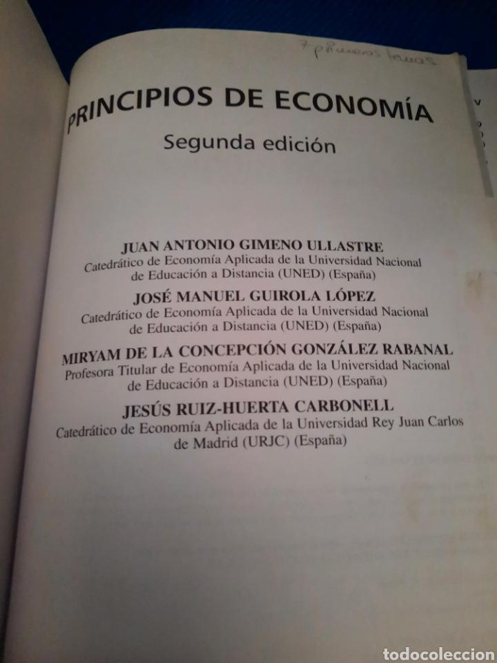 Libros: PRINCIPIO DE ECONOMÍA, GRAW HILL, UNED, 2008 - Foto 2 - 276222138