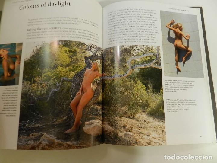 Libros: PHOTOGRAPHING THE NUDE - EN INGLÉS - TAPA DURA – 2002 DE MIKE CRAWLEY LIBRO FOTOGRAFÍA ERÓTICA - Foto 3 - 214261711