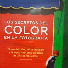 Libri: LOS SECRETOS DEL COLOR EN LA FOTOGRAFÍA. Lote 247238775
