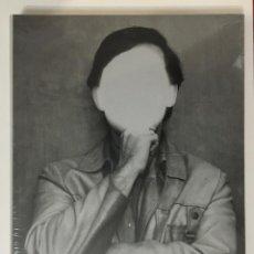 """Libros: LIBRO """"AUTORRETRATO DISFRAZADO DE ARTISTA: ARTE CONCEPTUAL Y FOTOGRAFÍA EN COLOMBIA EN LOS AÑOS 70"""". Lote 277098898"""