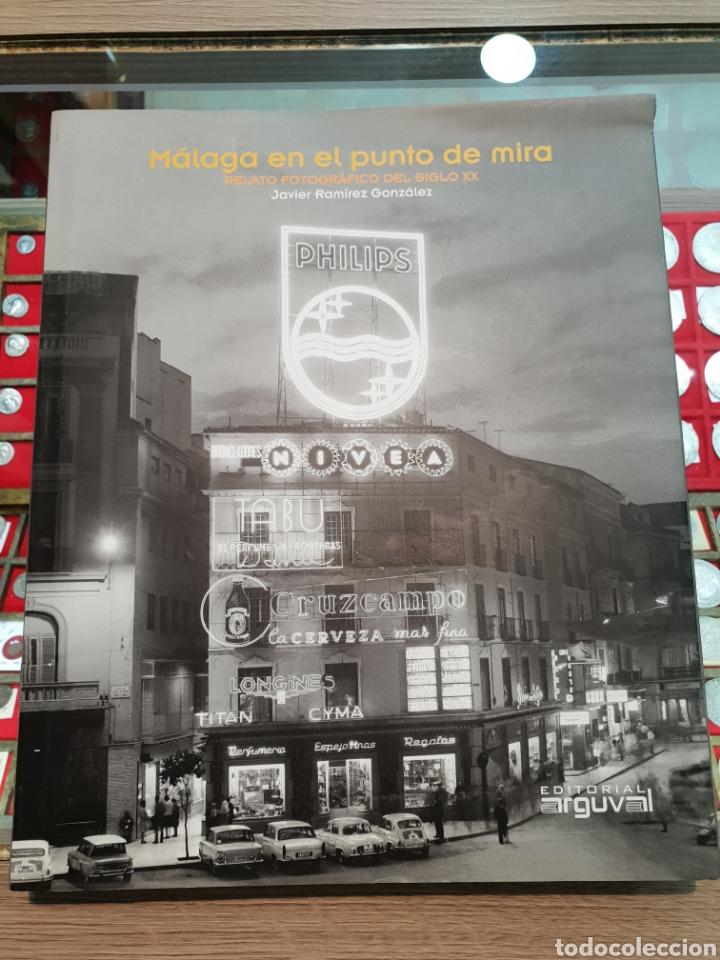 MALAGA EN EL PUNTO DE MIRA. JAVIER RAMIREZ GONZALEZ. EDICION ARGUVAL DE 2014. COTIZADO. (Libros Nuevos - Bellas Artes, ocio y coleccionismo - Diseño y Fotografía)