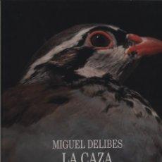 Libros: LA CAZA DE LA PERDIZ ROJA EN ESPAÑA. / MIGUEL DELIBES FOTOGRAFÍAS DE F. CATALÀ-ROCA. GASTOS GRATIS. Lote 140162110