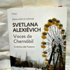Livros: SVETLANA ALEXIEVICH .VOCES DE CHERNÓBIL.BOOKET. Lote 240359360