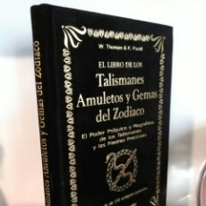 Libros: EL LIBRO DE LOS TALISMANES AMULETOS Y GEMAS DEL ZODIACO. HUMANITAS. TERCIOPELO NEGRO. Lote 192225016