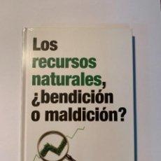 Libros: COLECCIÓN LOS RETOS DE LA ECONOMÍA - LOS RECURSOS NATURALES - NUEVO. Lote 287352503
