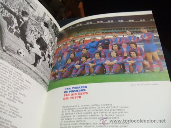 Coleccionismo deportivo: MES QUE UN CLUB LIBRO EDITADO POR EL F.C. BARCELONA EN SU 75 ANIVERSARIO - BARÇA - Foto 4 - 27040299