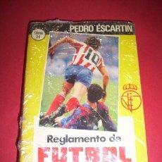 Coleccionismo deportivo: ESCARTÍN MORÁN, PEDRO - REGLAMENTO DE FÚTBOL ASOCIACIÓN : COMENTARIOS Y ACLARACIONES. Lote 35565832