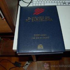 Coleccionismo deportivo: BARÇA: ANUARIO F.C. BARCELONA TEMPORADA 2000-01. EN CASTELLANO. Y UN LIBRO SORPRESA DE REGALO. Lote 36753091