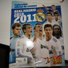 Colecionismo desportivo: REAL MADRID 2010 2011 10 11 COLECCION OFICIAL DE CROMOS NUEVO PRECINTADO . Lote 101567590