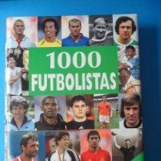 Coleccionismo deportivo: 1000 FUTBOLISTAS - NGV - LOS MEJORES JUGADORES DE TODOS LOS TIEMPOS - CON TEXTO Y FIRMA. Lote 56723792