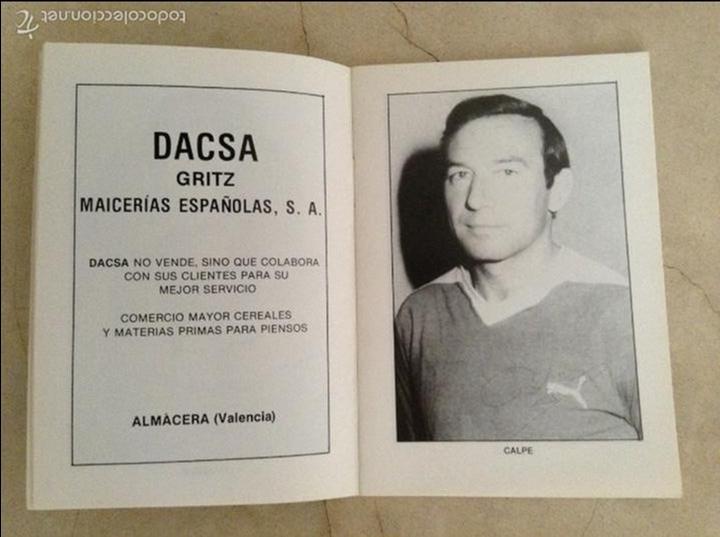 Coleccionismo deportivo: Libro futbolistas veteranos del Valencia, C.F., con fotografías y firmas de los jugadores. - Foto 4 - 113192684