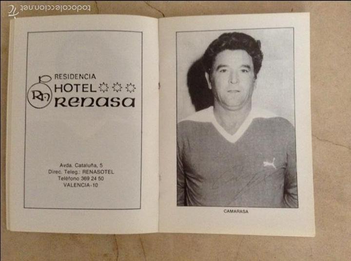 Coleccionismo deportivo: Libro futbolistas veteranos del Valencia, C.F., con fotografías y firmas de los jugadores. - Foto 9 - 113192684