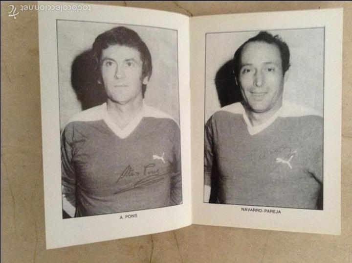 Coleccionismo deportivo: Libro futbolistas veteranos del Valencia, C.F., con fotografías y firmas de los jugadores. - Foto 12 - 113192684