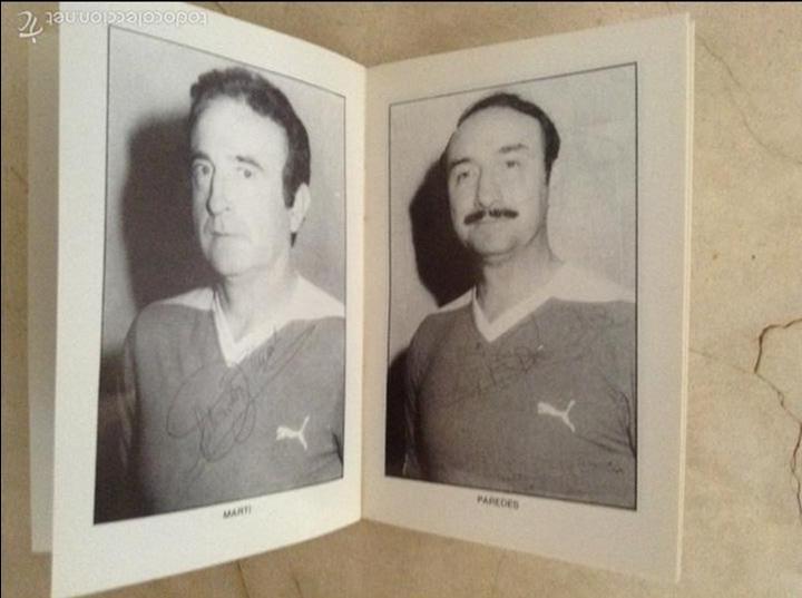 Coleccionismo deportivo: Libro futbolistas veteranos del Valencia, C.F., con fotografías y firmas de los jugadores. - Foto 17 - 113192684