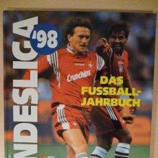 Coleccionismo deportivo: FÚTBOL. SPORT BILD BUNDESLIGA'98 DAS FUSSBALL JAHRBUCH . Lote 40338052