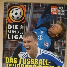 Coleccionismo deportivo: FÚTBOL. SPORT BILD DIE BUNDESLIGA DAS FUSSBALL JAHRBUCH 2001 . Lote 40338103