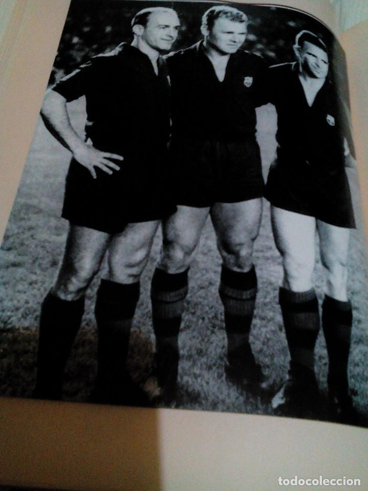 Coleccionismo deportivo: C3___libro ___El LIBRO DE ORO DEL BARÇA,1899/1995_ mide 31x23x3cm/tiene 247 paginas - Foto 14 - 78688769