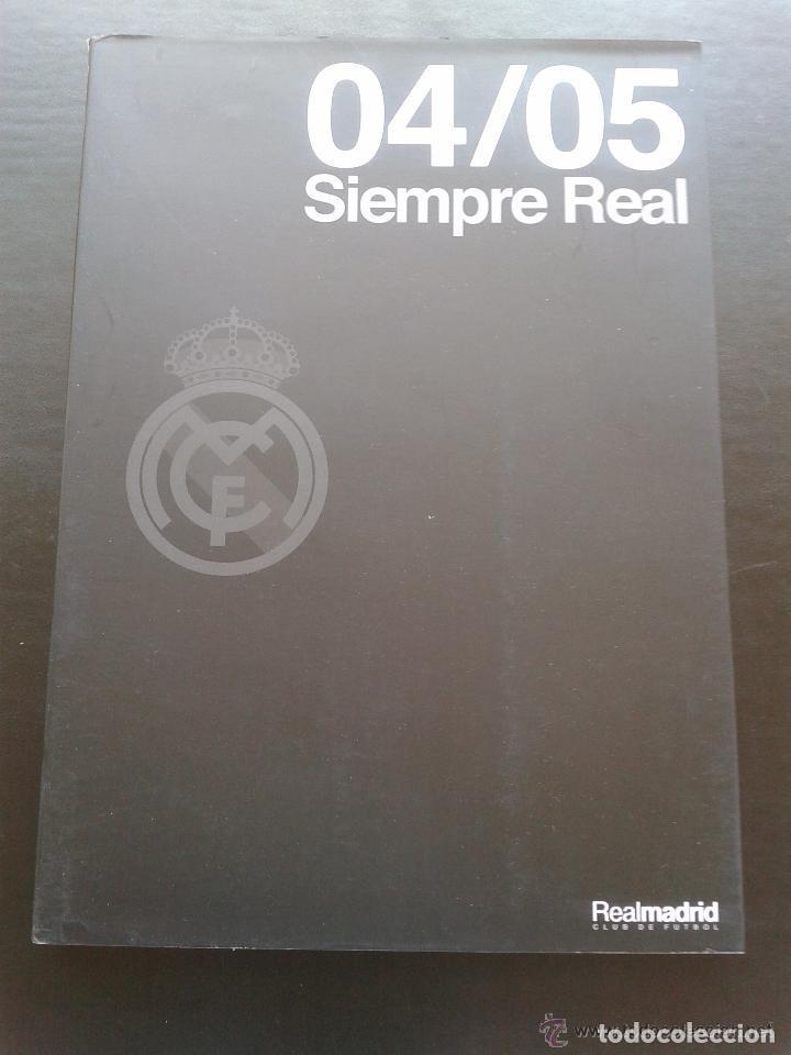 Coleccionismo deportivo: SIEMPRE REAL 04/05 REAL MADRID CLUB DE FUTBOL**182 PAGINAS A TODO COLOR* + CARPETA COMPLETA - Foto 6 - 83642032