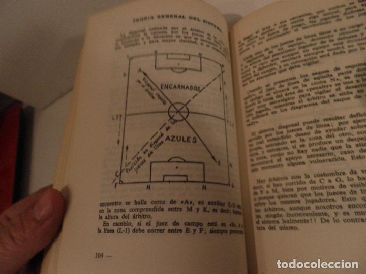 Coleccionismo deportivo: REGLAMENTO DE FUTBOL ASOCIACION. COMENTARIOS Y ACLARACIONES POR PEDRO ESCARTIN MORAN. AÑO 1972 - Foto 7 - 118756791