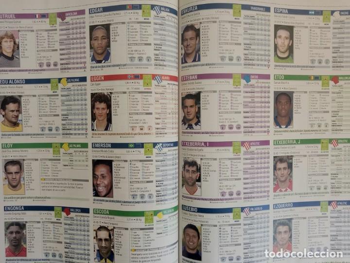 Coleccionismo deportivo: MARCA. - GUÍA LIGA 2001 - Anuario / Yearbook. # - Foto 2 - 120762851