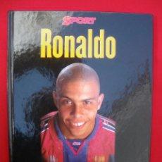 Coleccionismo deportivo: BIOGRAFÍA DE RONALDO F.C. BARCELONA. Lote 135798986