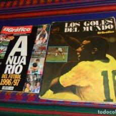 Coleccionismo deportivo: LOS GOLES DEL MUNDO. EL GRÁFICO 1977. REGALO EL GRÁFICO ANUARIO DEL FÚTBOL 1996 97. RARO.. Lote 139044974