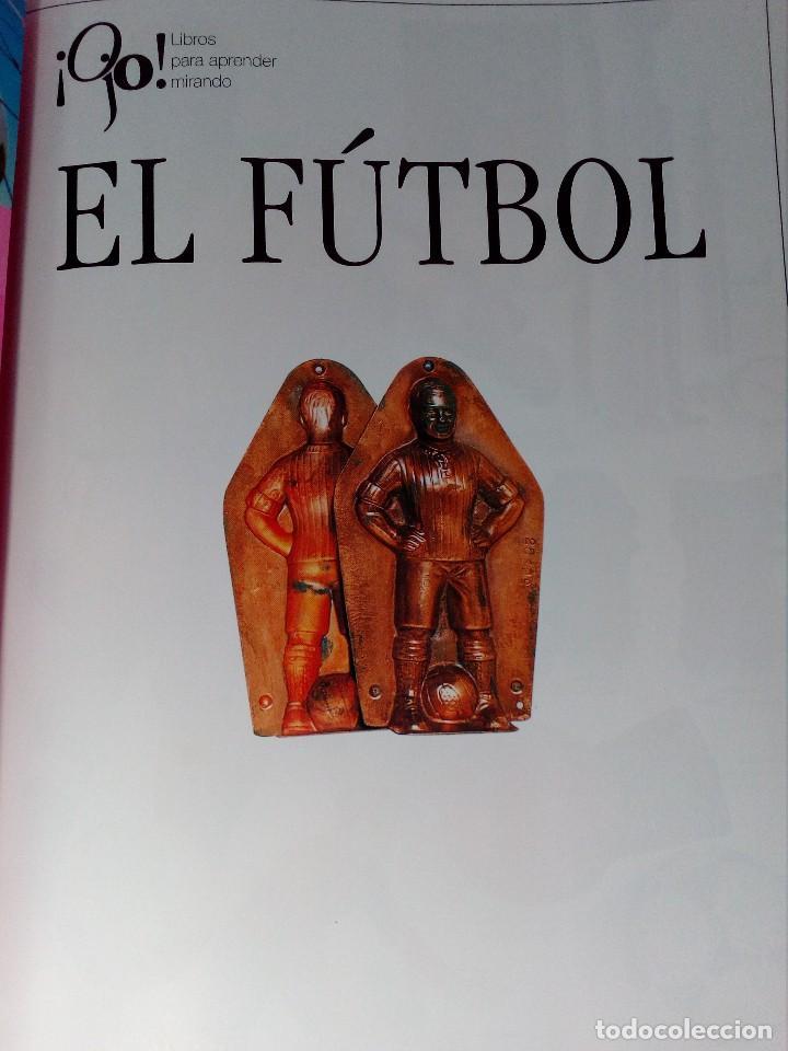 Coleccionismo deportivo: OJO FÚTBOL - LIBROS PARA APRENDER MIRANDO - EDITORIAL SM (AÑO 2001) INCLUYE CD Y POSTER - Foto 2 - 150356222
