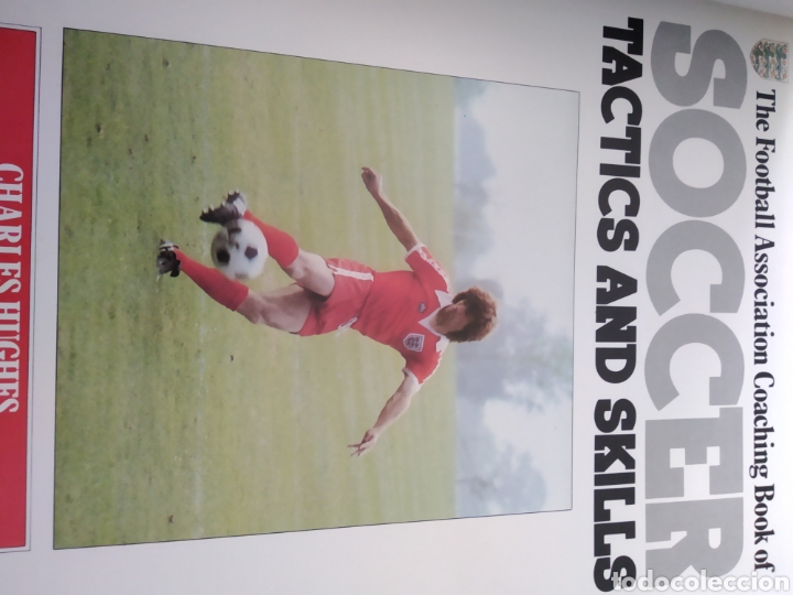 Coleccionismo deportivo: SOCCER. TACTICS AND SKILLS. THE FOOTBALL ASSOCIATION COACHING BOOK. CHARLES HUGHES. BBC. AÑO 1980. C - Foto 2 - 160156616