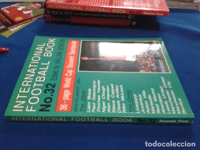 Coleccionismo deportivo: LIBRO ( INTERNACIONAL FOOTBALL BOOK Nº 32 )1990 SPECIAL GUIDE BY HALLAM GORDON 128 PAGINAS NUEVO - Foto 2 - 166713178