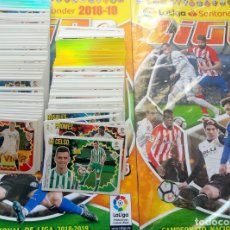 Coleccionismo deportivo: ALBUM PANINI. - LIGA 2018-19 + SET OF 200 LOOSE DIF. STICKERS - #. Lote 172368589