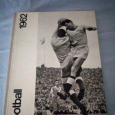 Coleccionismo deportivo: FOOTBALL 1962 JUWO ZURICH LOUIS HUGO VERNE,CON 130 PEGATINAS.. Lote 175228694