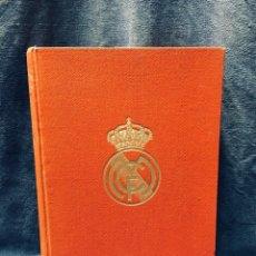 Coleccionismo deportivo: LIBRO DE ORO DEL REAL MADRID C.F. 1902-1952. Lote 179173488