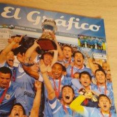 Coleccionismo deportivo: REVISTA EL GRÁFICO, EDICIÓN ESPECIAL. URUGUAY CAMPEÓN COPA AMÉRICA 2011 NÚMERO 318 . Lote 180259885