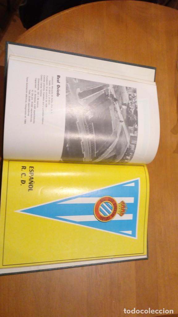Coleccionismo deportivo: libro antiguo con banderines y estadios de equipos de liga años 60 editorial efsa ?? - Foto 2 - 196320411