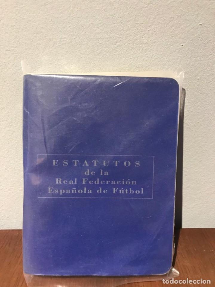 Coleccionismo deportivo: ESTATUTOS Y REGLAMENTO DE LA REAL FEDERACIÓN DE FÚTBOL ESPAÑOLA - AÑO 1983 - Foto 2 - 215271153