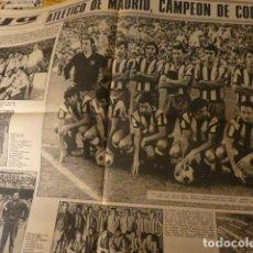 Coleccionismo deportivo: ATLETICO DE MADRID CAMPEON DE LIGA FUTBOL 1972 HOJAS CENTRALES DIARIO YA. Lote 225896925