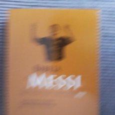 Coleccionismo deportivo: LA BIBLIA DE MESSI. LUIS MIGUEL PEREIRA Y JOAO PEDRO BANDEIRA. PRIME BOOKS 2012. Lote 237905120