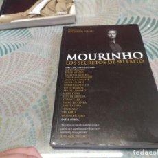 Coleccionismo deportivo: LIBRO MOURINHO LOS SECRETOS DE SU EXITO MIREN FOTOS. Lote 249470595