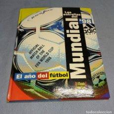 Coleccionismo deportivo: LAS ESTRELLA DEL MUNDIAL 98 EL AÑO DEL FUTBOL LIBRO DEL AÑO 1998 EN MUY BUEN ESTADO. Lote 259895785