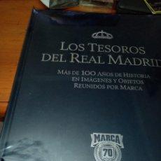 Coleccionismo deportivo: LOS TESOROS DEL REAL MADRID. MAS DE 100 AÑOS DE HISTORIA EN IMAGENES ,, NUEVO PRECINTADO.. EST23B7. Lote 270528093