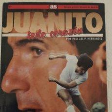 Coleccionismo deportivo: JUANITO TODO CORAZÓN POR PASCUAL PHERNÁNDEZ. Lote 289866153