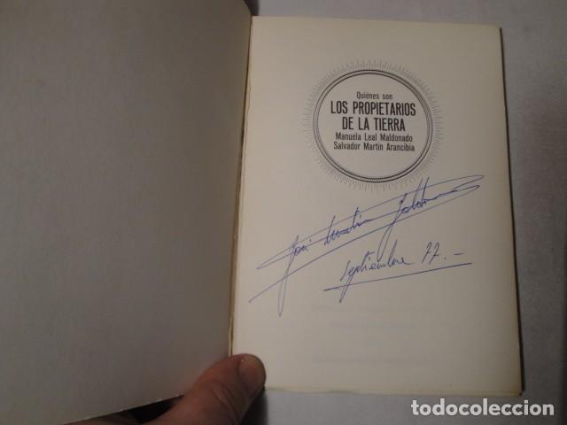 Libros: ¿ Quiénes son los propietarios de la Tierra ?.Autores: Manuela Leal y Salvador Martín. Año 1977. - Foto 2 - 157295566