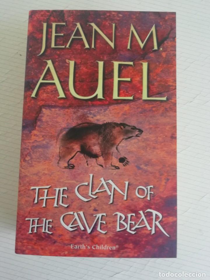 THE CLAN OF THE CAVE BEAR, EN INGLÉS DE JEAN M AUEL (Libros Nuevos - Historia - Historia Antigua)