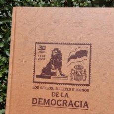 Libros: LIBRO DE SELLOS, BILLETES Y ENTRADAS DE CINE DE LA DEMOCRACIA.. Lote 134833190