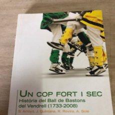 Libros: UN COP FORT I SEC. Lote 191184693