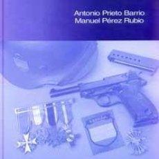 Libros: CONDECORACIONES Y DISTINTIVOS DE LA DIVISIÓN AZUL ANTONIO PRIETO BARRIO GASTOS DE ENVIO GRATIS. Lote 190690577