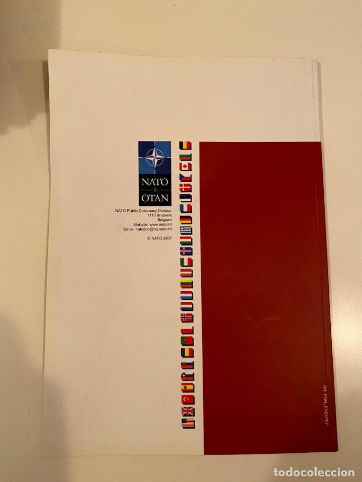 """Libros: """"NATO REVIEW"""" - Foto 2 - 245382255"""