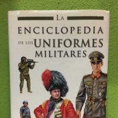 Libros: ENCICLOPEDIA UNIFORMES MILITARES (ENVÍO GRATUITO PENINSULAR). Lote 132879298