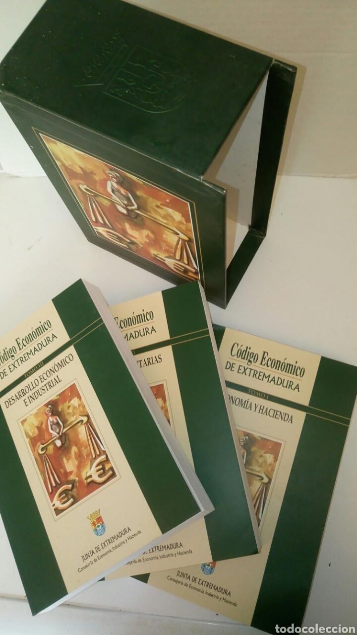Libros: Código Económico de Extremadura, 3 tomos. - Foto 2 - 131559279